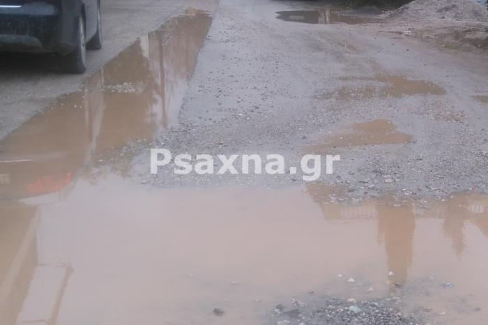 «Πνίγονται» στην λάσπη δύο μήνες κάτοικοι και φοιτητές σε πλατεία Παναστασίου και Ποσειδώνος. Είπαμε όμως : «Η ταλαιπωρία είναι προσωρινή το έργο όμως για πάντα»
