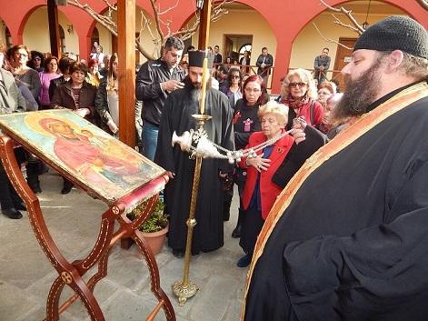 «Βοήθειά μας».Η Παναγία της Μακρυμάλλης στα Ψαχνά στις αγκαλιές των πιστών 17409862 1423283864401955 1172147923 n