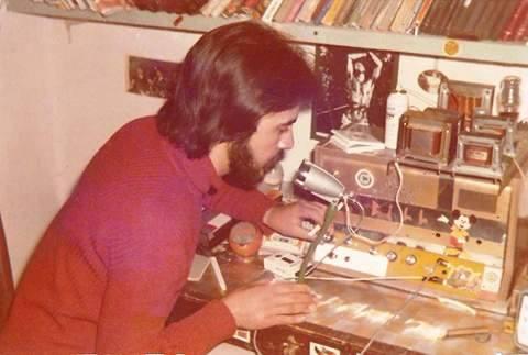 1974 ραδιοφωνικός σταθμός Ψαχνών:Νέες σπάνιες φωτογραφίες και ο τέταρτος της χθεσινής παρέας !