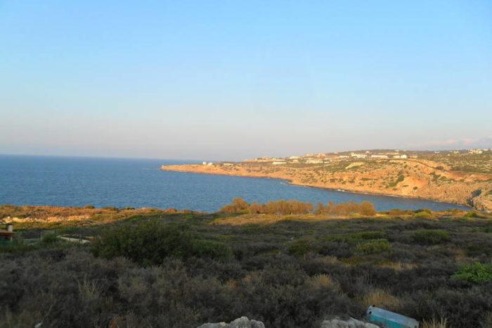Παραλία Nεροτριβιάς: Πωλείται οικόπεδο κοντά στην θάλασσα