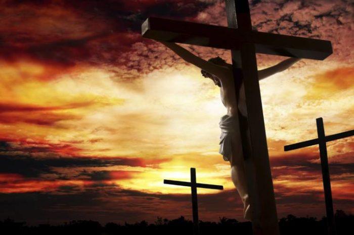 Κορυφαίος ιατροδικαστής εξηγεί τι συνέβη στο Χριστό πάνω στον Σταυρό