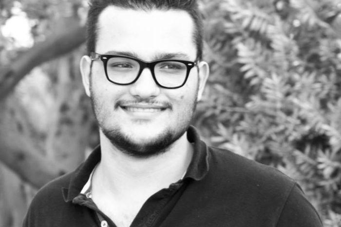 O Σωτήρης Μπαρσάκης από τα Ψαχνά δημιουργός του Psaxna.gr μέλος της Ένωσης Γραφιστών Ελλάδας