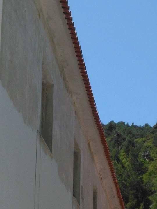 Στενή: Έβαψε Γυμνάσιο και Δημοτικό και αντικατέστηκε 400 τετραγωνικά μέτρα σκεπής ο Δήμος Διρφύων Μεσσαπίων 18217616 1262620583858364 1813978578 n