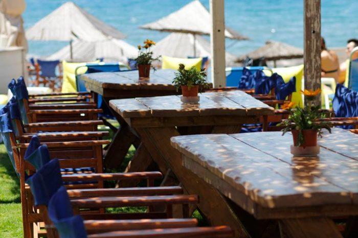 Crazy Locals beach bar surf club: «H λύση για το καλοκαίρι βρίσκεται στην...Αρτάκη» !
