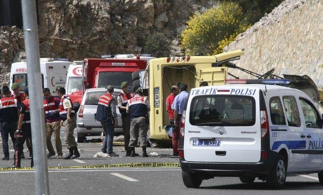 Τουρκία: 23 νεκροί από πτώση λεωφορείου σε γκρεμό