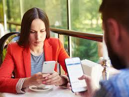 «Γιατί είμαστε εξαρτημένοι με τα κινητά τηλέφωνα;» (της Κατερίνας Μούτουπα)