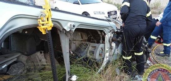 Εκπαιδέυτηκαν σε τεχνικές διάσωσης σε τουμπαρισμένο αυτοκίνητο με τα νέα τους «εργαλεία» οι εθελοντές του ΣΕΔΔΔ Ψαχνών