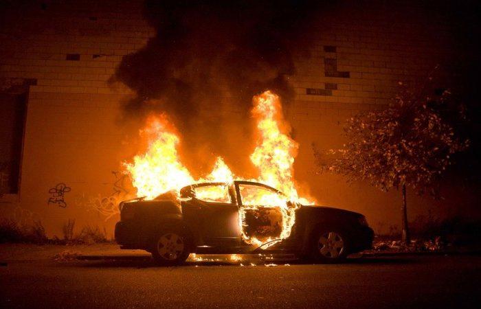 Μεγάλη προσοχή: Γι' αυτό παίρνουν φωτιά τα αυτοκίνητα στον καύσωνα!
