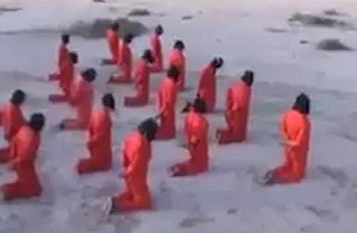 Σκληρές εικόνες: Μαζική εκτέλεση τζιχαντιστών στη Λιβύη