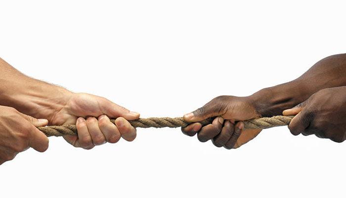 «Ο ρατσισμός στα ιστολόγια των Διρφύων Μεσσσαπίων» (του Βαγγέλη Παπαμιχαήλ)