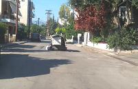 Νέα Αρτάκη: Του χάλασε το τρίκυκλο και σταμάτησε μέσα στην μέση του  δρόμου  να το φτιάξει ! (video)