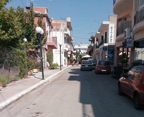 Ψαχνά: Πεζόδρομο ζητούν οι κάτοικοι και οι καταστηματάρχες στην Αθανασίου Διάκου