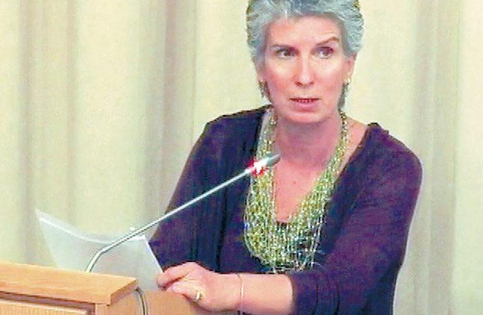 Καταγγέλλουν Συριζαία ότι «πέταξε την εικόνα της Παναγίας στα σκουπίδια»