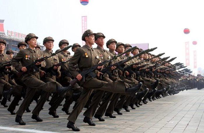Φάτε καλαμπόκι απ' τα χωράφια, έρχεται πόλεμος, λένε οι στρατηγοί στους Βορειοκορεάτες!