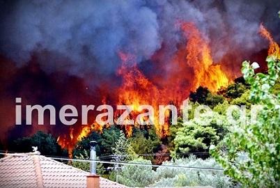 Ζάκυνθος: Ανεξέλεγκτη η φωτιά, πλησιάζει στις Μαριές -Κάηκαν σπίτια στην Αναφωνήτρια [εικόνες]