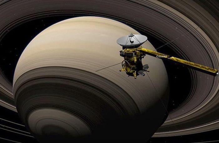«Τίτλοι τέλους» για το Cassini: Έστειλε το τελευταίο του σήμα στη Γη και αυτοκαταστράφηκε