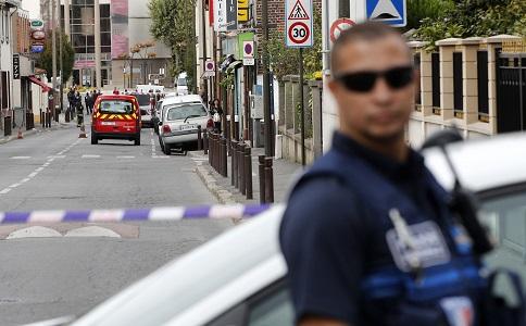 Επίθεση με σφυρί στη Γαλλία: Ο δράστης φώναζε Allahu Akbar - Τραυμάτισε 2 γυναίκες στο όνομα του ISIS