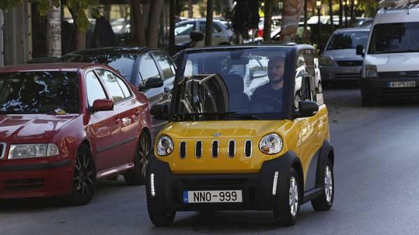 Ήρθε το αυτοκίνητο που κυκλοφορεί με 1 ευρώ τα 100 χλμ και φορτίζει στην πρίζα του σπιτιού!