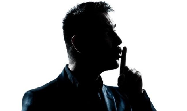 «Μένεις στα Ψαχνά; Είπαμε: Μην μιλάς  γιατί θα...μπλέξεις !»