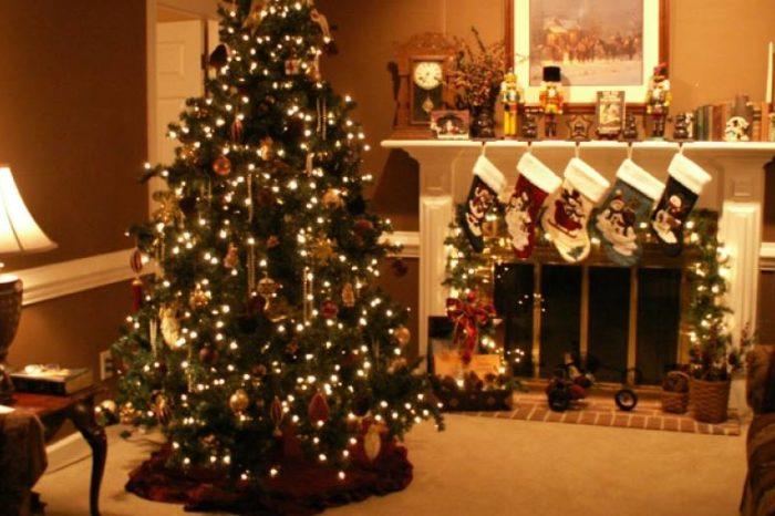 Γιατί στολίζουμε Χριστουγεννιάτικο δένδρο και τι συμβολίζει;