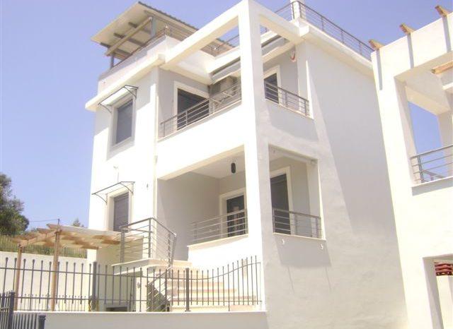 Πολιτικά Ευβοίας: Πωλείται εξοχική κατοικία σε χαμηλή τιμή