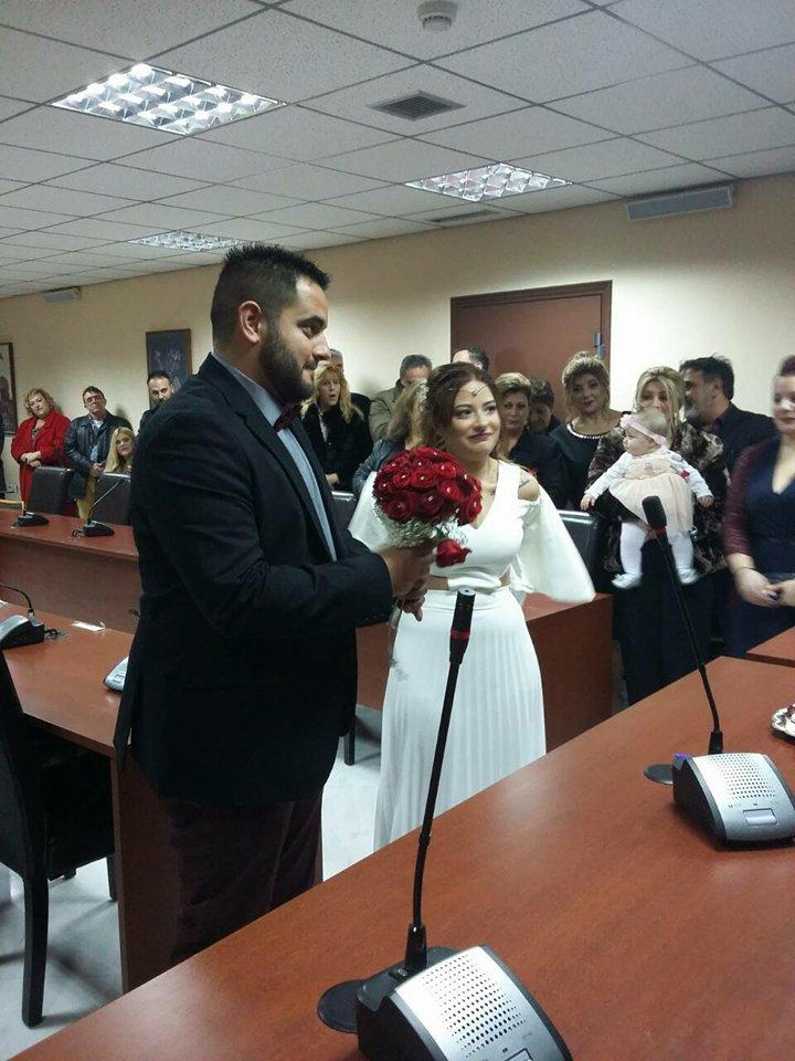 Παντρεύτηκαν με πολιτικό γάμο ο Τάσος Χρυσούλης και η Χριστίνα Παπαργυρίου 26940481 1995888923967957 43825732 n
