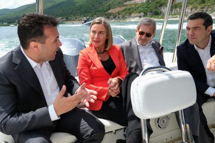 Απίστευτη δήλωση του επιτρόπου Χαν: Με τη συμφωνία Ελλάδας-Αλβανίας θα υπάρξει αλλαγή συνόρων!
