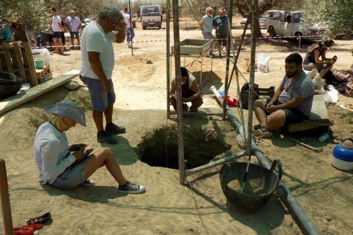 Απίστευτο! Βούλιαξε το έδαφος στην Κρήτη και βρήκαν Μινωικό τάφο – Συγκλονιστικές εικόνες