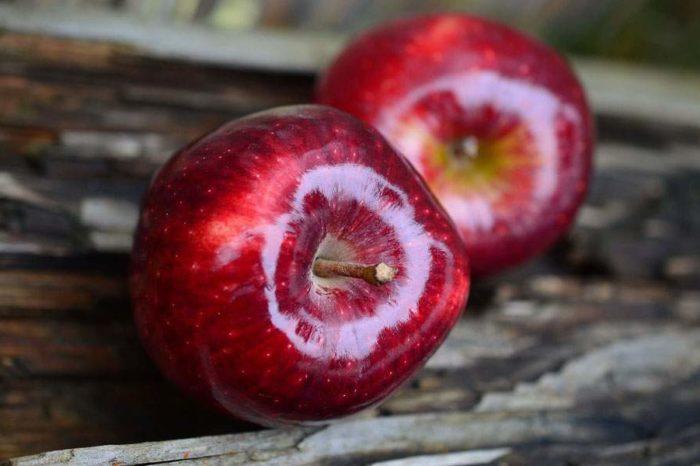Δεσμεύτηκαν 2,2 τόνοι φρούτων σε επιχείρηση του Πειραιά