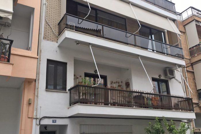Εγκυος πήδηξε από το μπαλκόνι του σπιτιού της και σκοτώθηκε στον Αγιο Δημήτριο