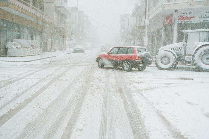 Έντονη χιονόπτωση στα ορεινά χωριά της Εύβοιας και από Καστέλλα για Άγιο (video)