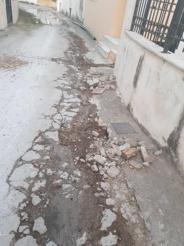 Πολιτικά: Συνεργεία του Δήμου επισκευάζουν τον δρόμο κοντά στην πλατεία 66209571 678460362577332 5498747462568902656 n 1
