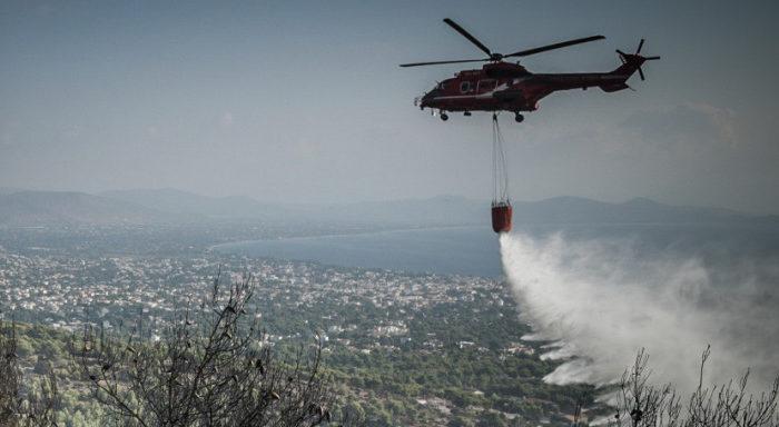Μεγάλη φωτιά στη Νέα Μάκρη: Σε ύφεση τα πύρινα μέτωπα - Καταγγελίες για εμπρησμό