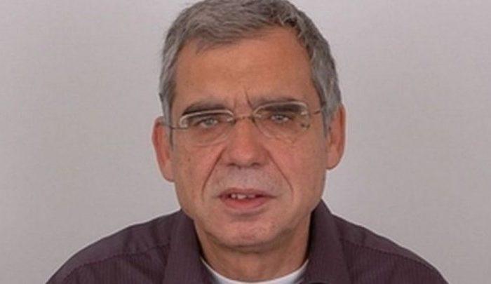 """Πέθανε ο δημοσιογράφος Κώστας Καίσαρης - Ήταν ο θρυλικός """"Αποδυτηριάκιας"""""""