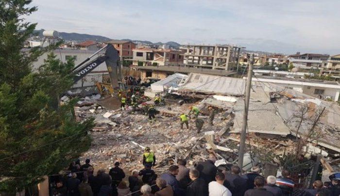 Θρήνος δίχως τέλος στην Αλβανία - Τουλάχιστον 40 οι νεκροί - Τραγικές μαρτυρίες και συγκλονιστικές εικόνες από διασώσεις της ΕΜΑΚ