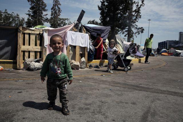 Το προσφυγικό απειλεί την κυβέρνηση Μητσοτάκη – Αντιδράσεις στην ενδοχώρα – Που επενδύει το Μαξίμου