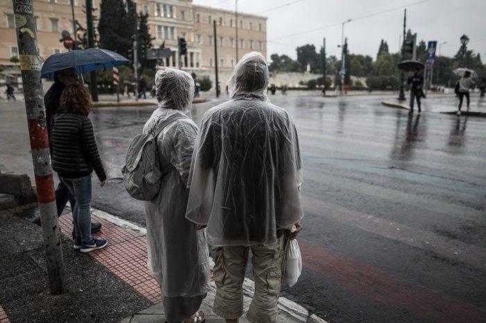 Κακοκαιρία: Η Βικτώρια πάνω από την Αθήνα - Ζημιές σε Χανιά, Κέρκυρα, Κεφαλονιά