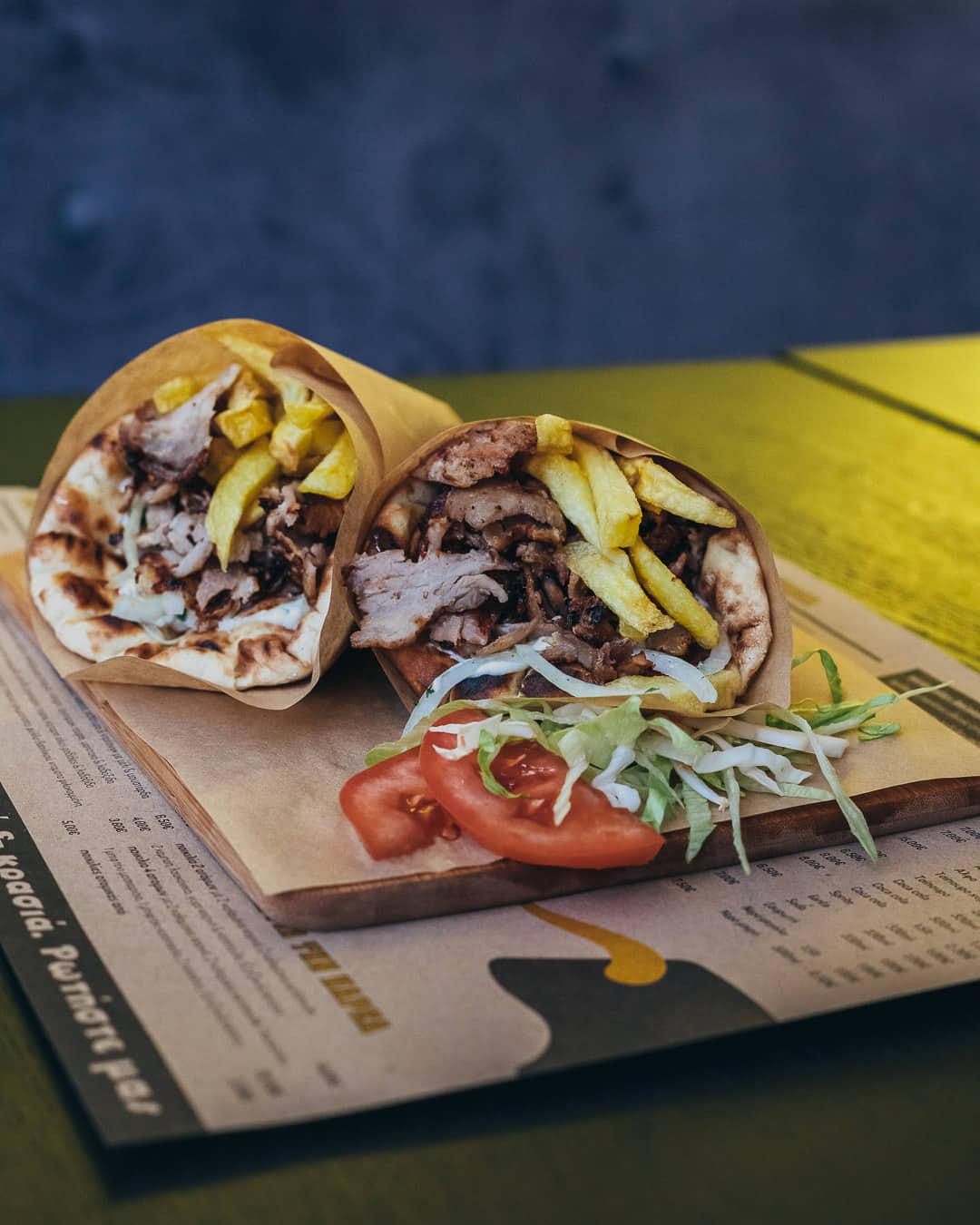 Ψαχνά: Άνοιξε το Grill House «Στο Ψαχνό» giros 3