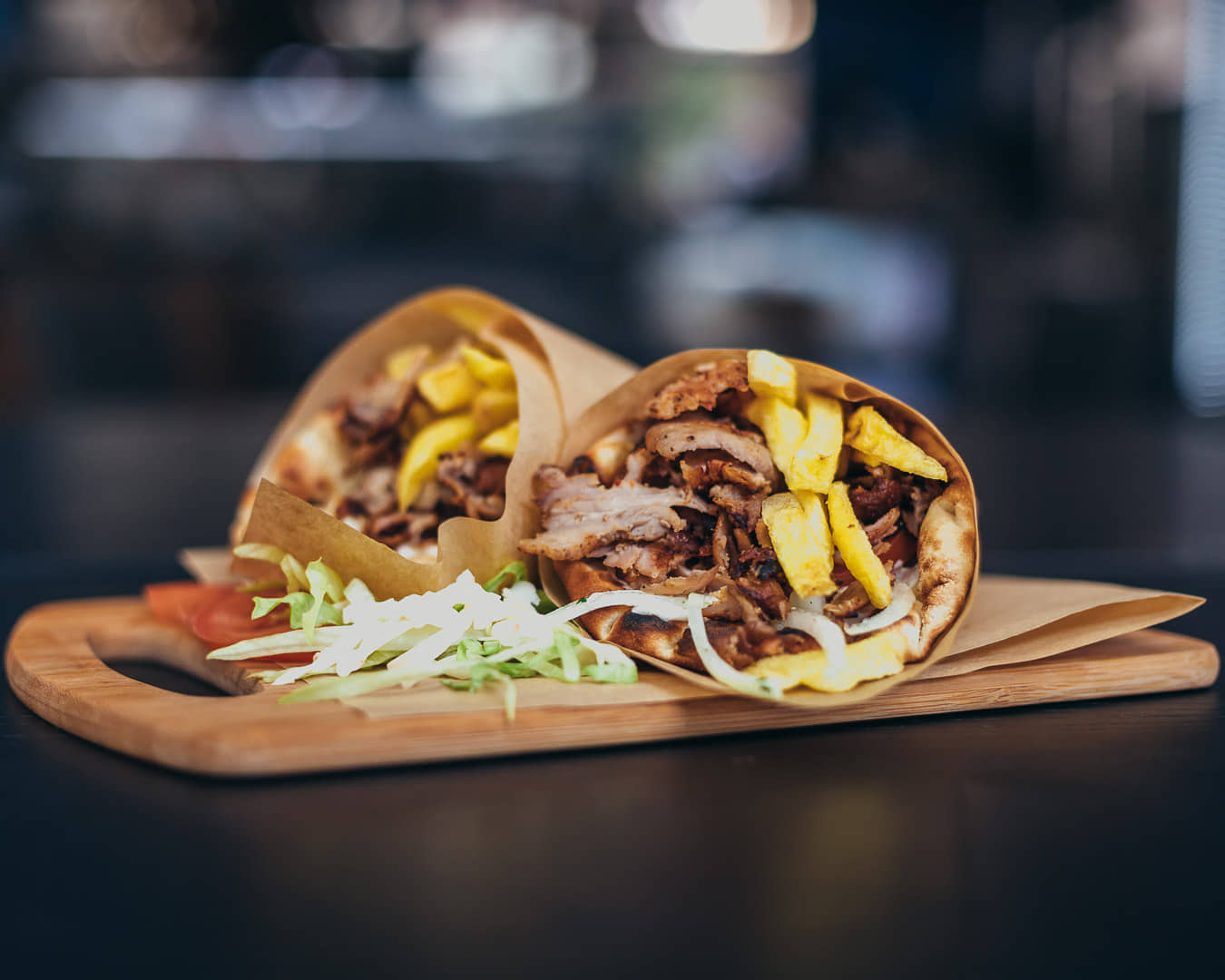 Ψαχνά: Άνοιξε το Grill House «Στο Ψαχνό» giros