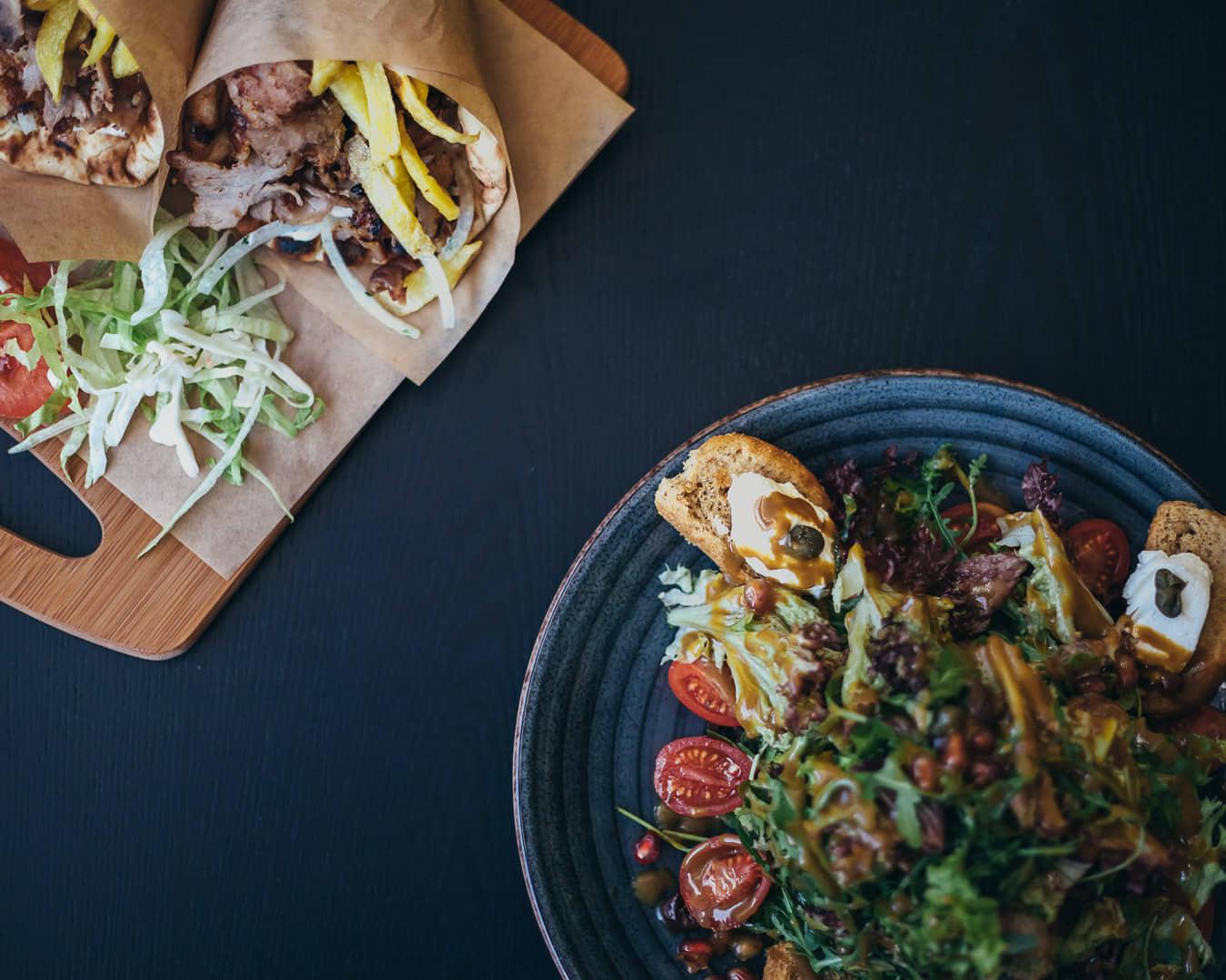 Ψαχνά: Άνοιξε το Grill House «Στο Ψαχνό» salata 3