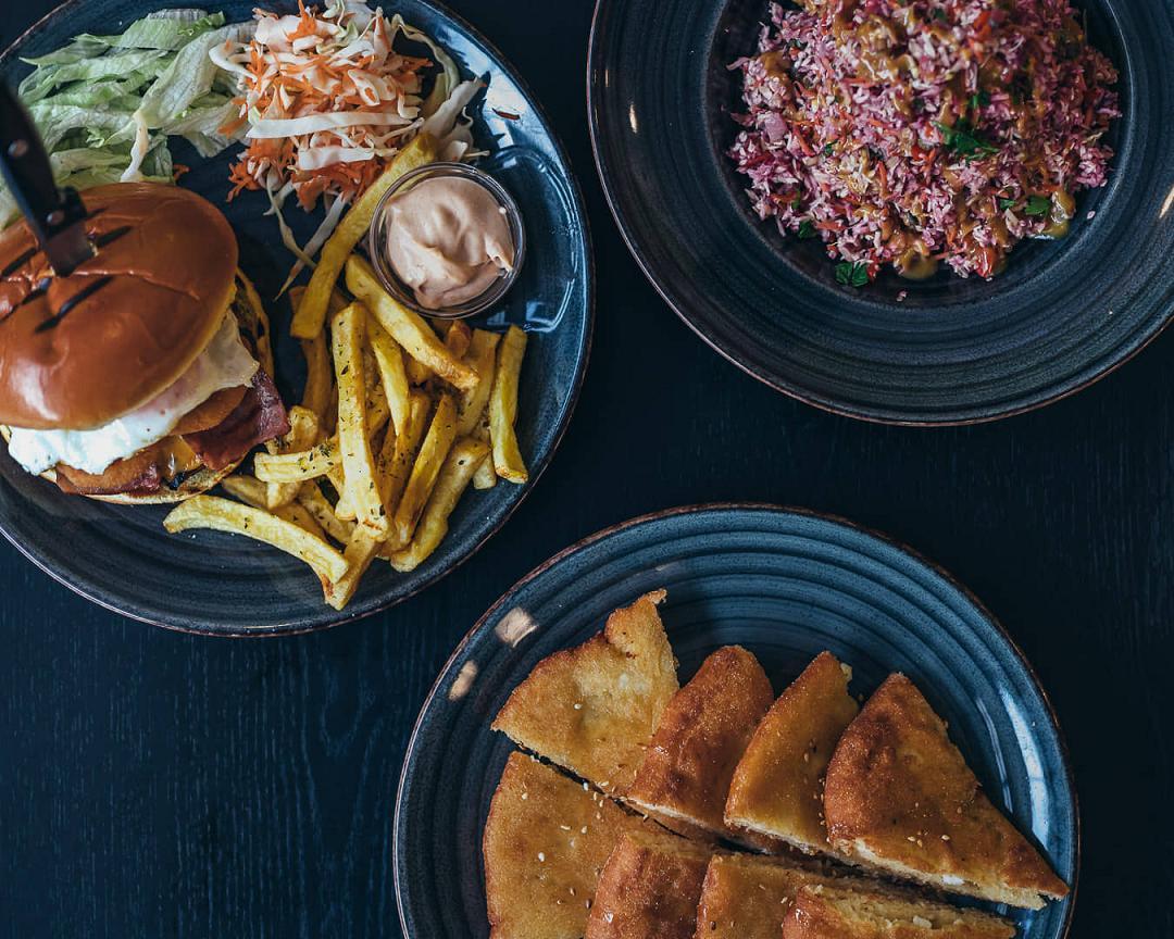 Ψαχνά: Άνοιξε το Grill House «Στο Ψαχνό» xamburger 2