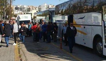 Έκλεισαν την Εθνική Οδό στο Μαρτίνο εργαζόμενοι της Λάρκο