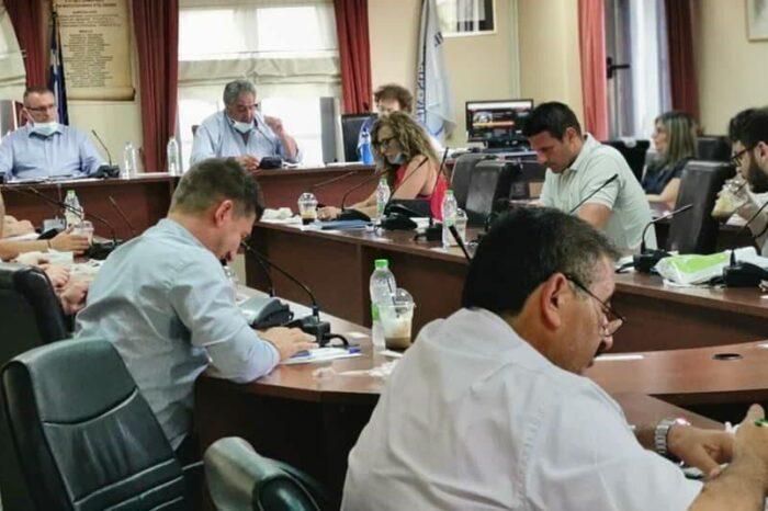 Η «κεκλεισμένων των θυρών» συνεδρίαση του Δημοτικού συμβουλίου του Δήμου Διρφύων Μεσσαπίων (φωτό-video)