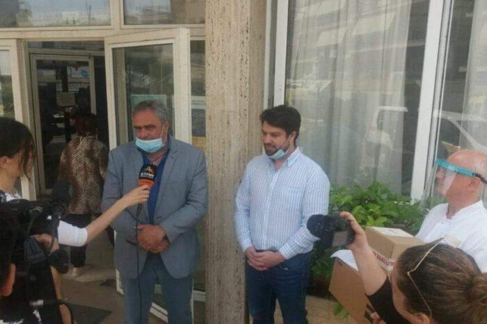 Οικογένεια από την Χιλιαδού  δώρισε μηχάνημα στο Γενικό Νοσοκομείο της Χαλκίδας.Παρέδωσε  ο Δήμαρχος  Γιώργος Ψαθάς (φωτό-video)
