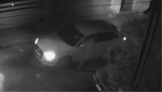 Kαρέ - καρέ η στιγμή της επίθεσης στον Στέφανο Χίο (video)