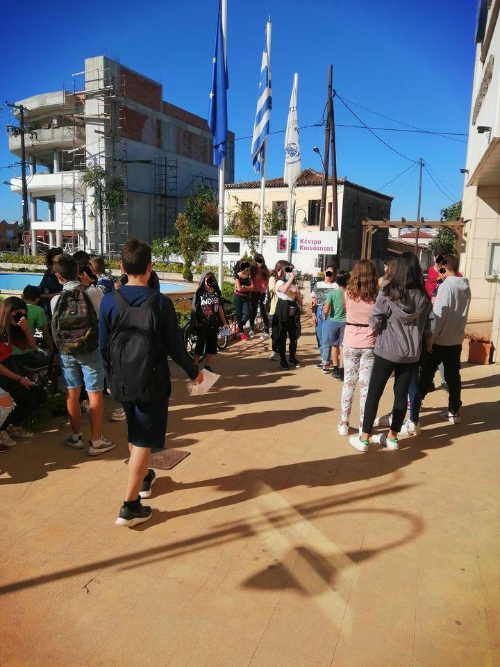 Γυμνάσιο Ψαχνών: Ο Δήμαρχος Γιώργος Ψαθάς έκοψε τις αλυσίδες και διέκοψε την κατάληψη! 2 9