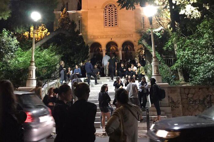 «Κυψέλη» κρουσμάτων η Αττική αλλά εχθές ξανά... το αδιαχώρητο στην πλατεία Βαρνάβα