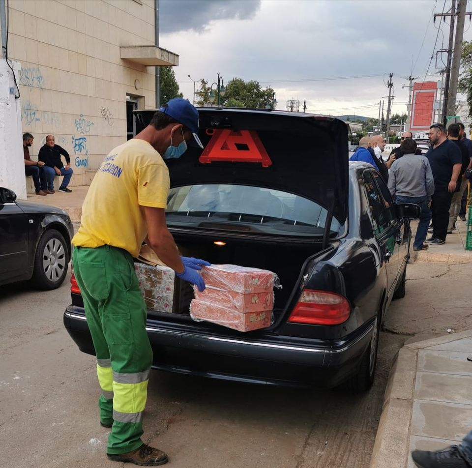 Ανθρωπιστική βοήθεια στους πληγέντες του Δήμου Διρφύων Μεσσαπίων από τον Σίμο Κεδίκογλου και από Προέδρους ΔΗΜΤΟ Ευβοίας (φωτό-video) 120955240 276712330055706 1141798916614578968 n