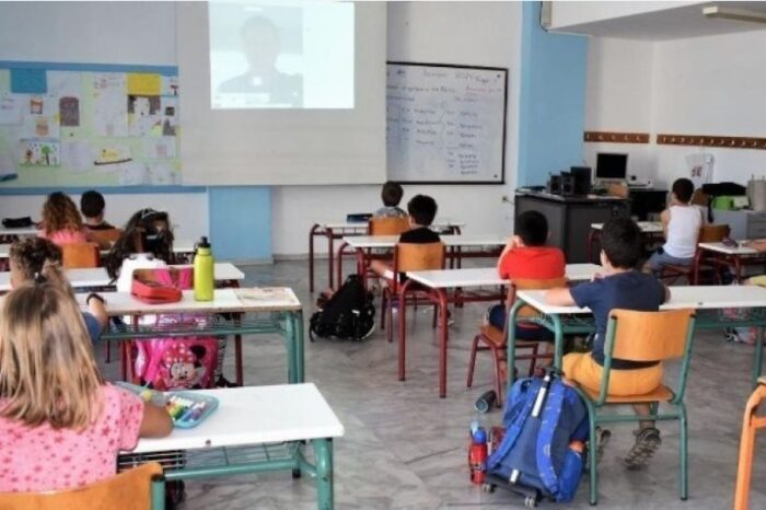 Άνοιγμα σχολείων: Σε νέα συνεδρίαση των ειδικών οι αποφάσεις