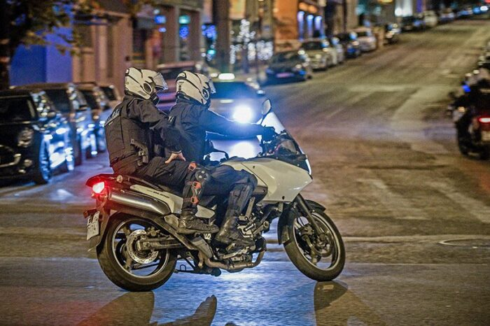 Ζεφύρι: Έβρεχε... σφαίρες – Μας πυροβολούσε Ρομά ελεύθερος σκοπευτής, κατέθεσε αστυνομικός